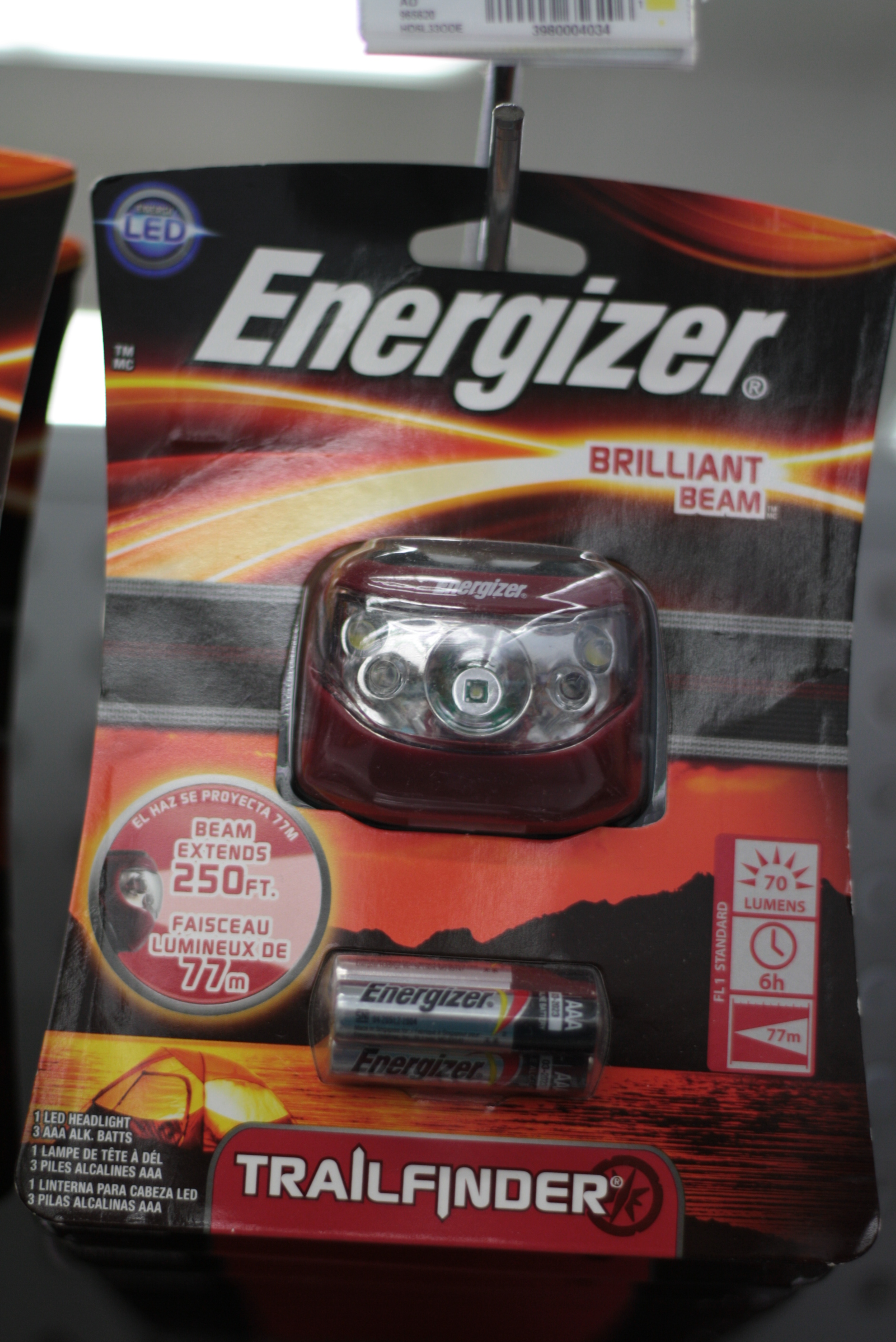energizer book Energizer ® led clip light great for reading, or seeing in hard-to-see spots – the energizer ® led clip light easily attaches to where you need warm white light it's the last clip-on light you'll ever need because it makes a great reading light and book light.