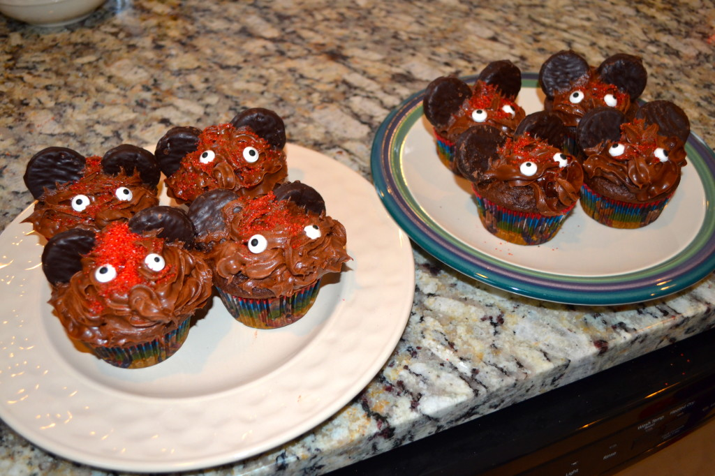 DisneySide-Magic-Mickey- Cupcakes
